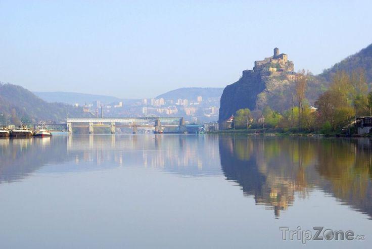 Fotka, Foto Ústí nad Labem, Labe a hrad Střekov (Česká republika)