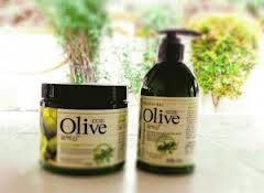 Shampoo masker dari Korea yang punya banyak manfaat bagi Kesehatan dan Perawatan rambut alami. Merupakan Produk perawatan rambut terlaris di Korea kunjungi kami di http://raykosmetik.blogspot.com/2013/01/olive-shampoo-dan-olive-hair-mask.html