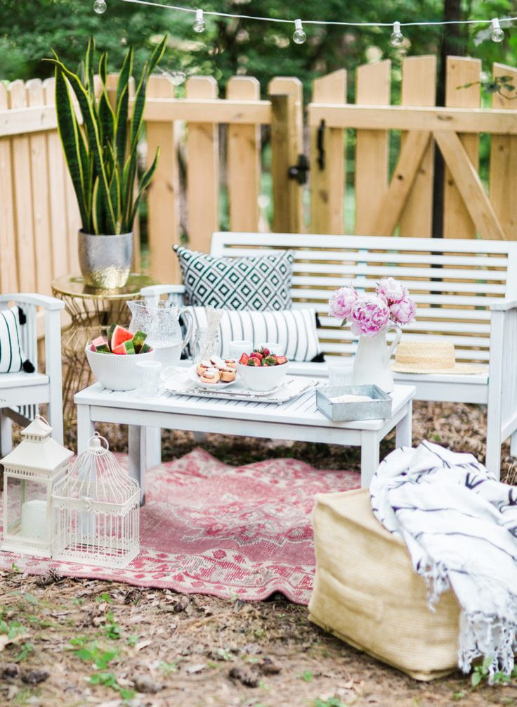 6 Tricks For Easy Outdoor Parties
