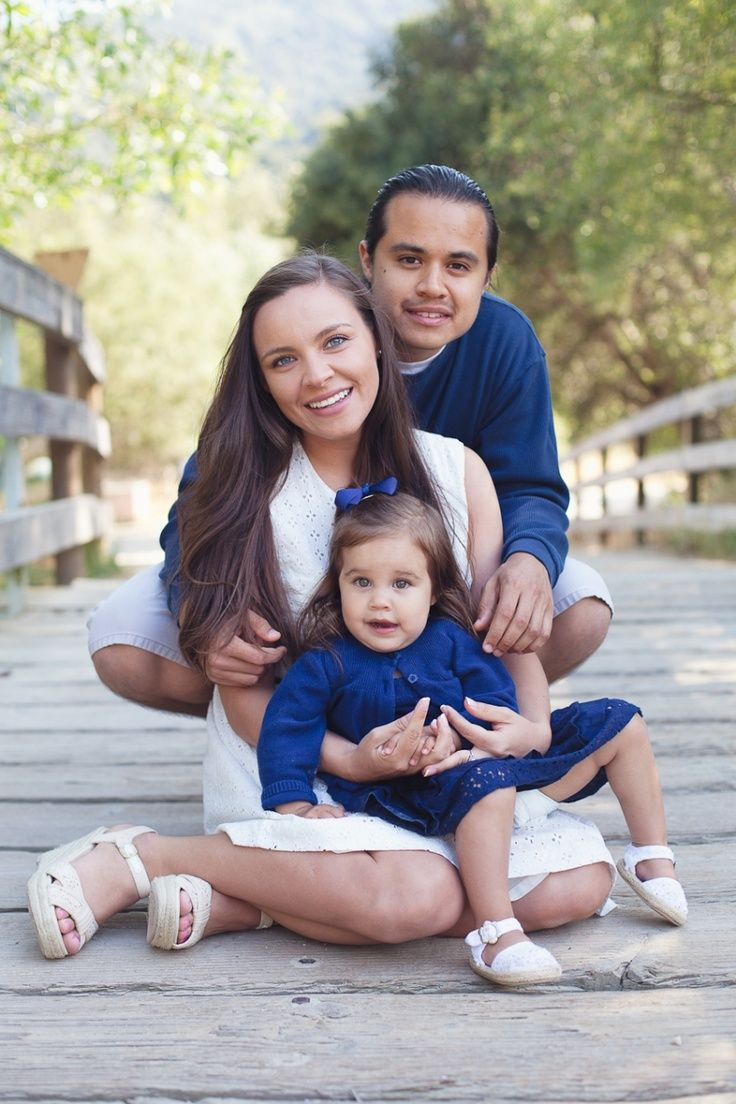 Family of 3 Photo Poses   Family Pose » Laura Hernandez Photography   Photography - Family