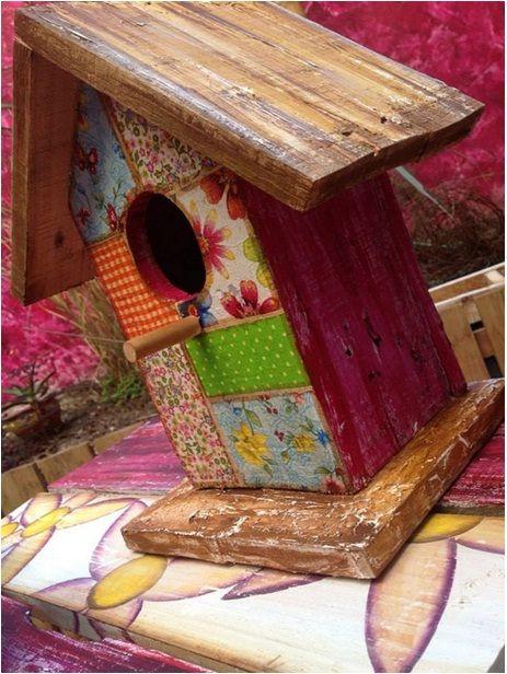 Casitas de pajaritos madera reciclada con decapado y for Casitas de patio para almacenar