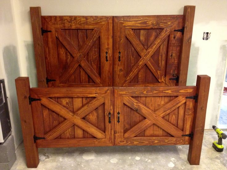 Barn Door Headboard and foot board --- up cycled pallet wood and 4 x 4's…