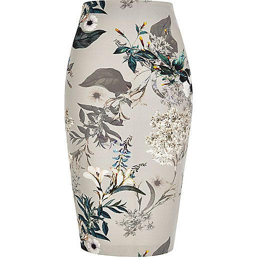 Love these winter florals - great for transitioning to spring. But this kind of skirt is NOT flattering on my hyper-muscular legs.