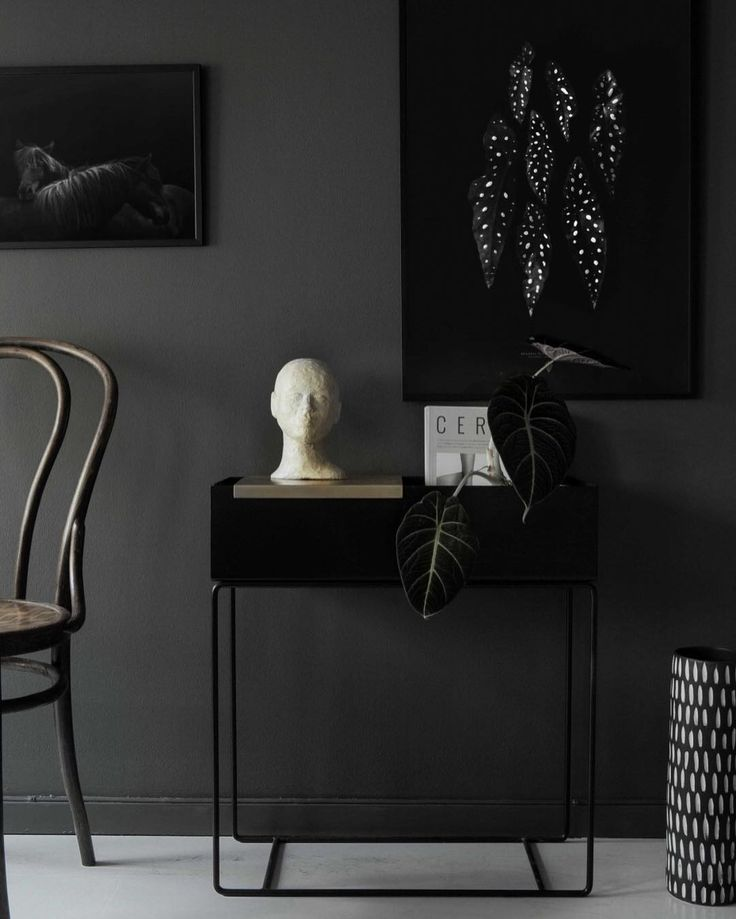 The 'Begonia Maculata' and 'Hestar' prints in the beautiful home of @nina_notetoself #cocolapine