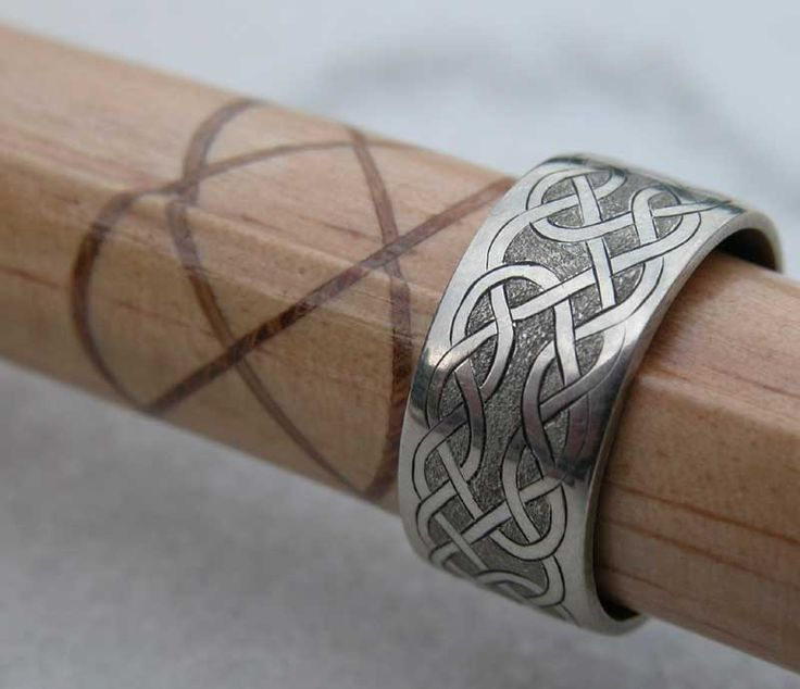 entrelacs celtiques tatouage gaulois celte pinterest meilleures id es gaulois celtique et. Black Bedroom Furniture Sets. Home Design Ideas