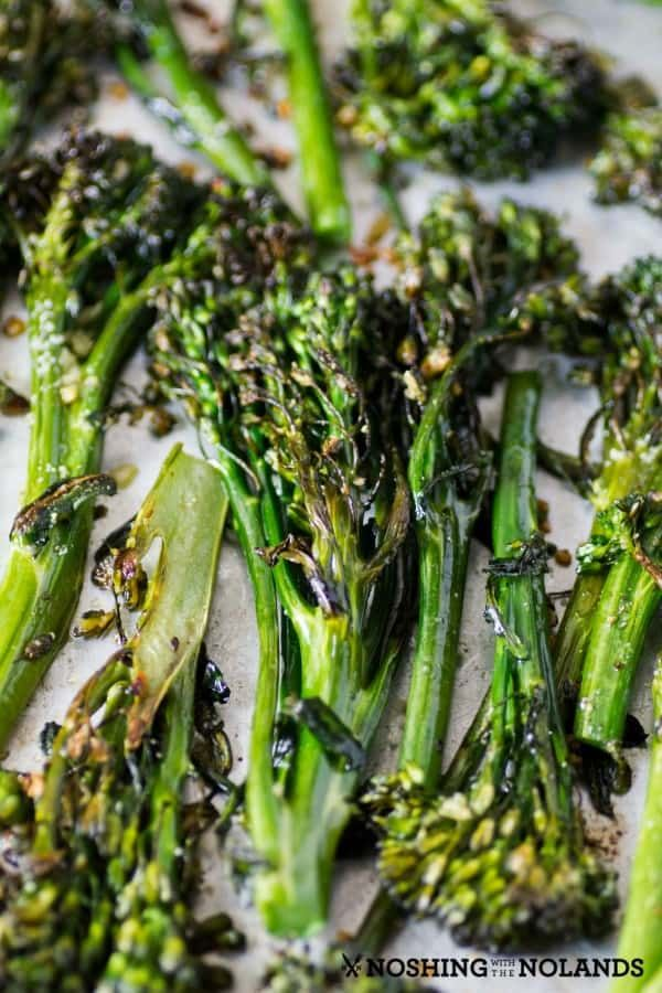 Garlic Roasted Broccolini done in the oven is easy and brings out a great nutty …   – Food!