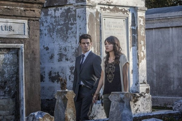 Daniel Gillies and Daniella Pineda in The Originals episode of The Vampire Diaries picture #18 of 32