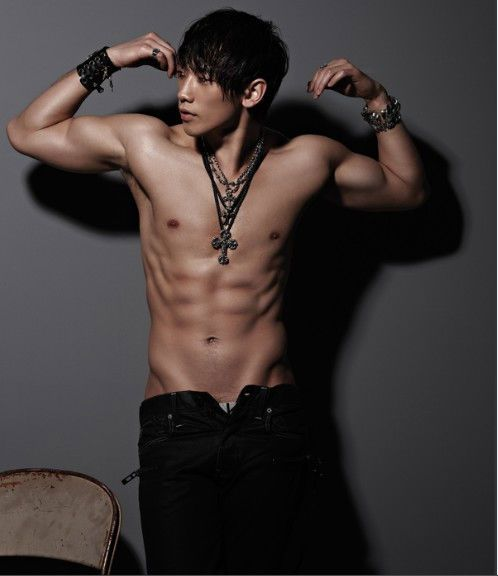 NO 10 of DramaFever's 50 best pics of Rain. (Back To The Basic)