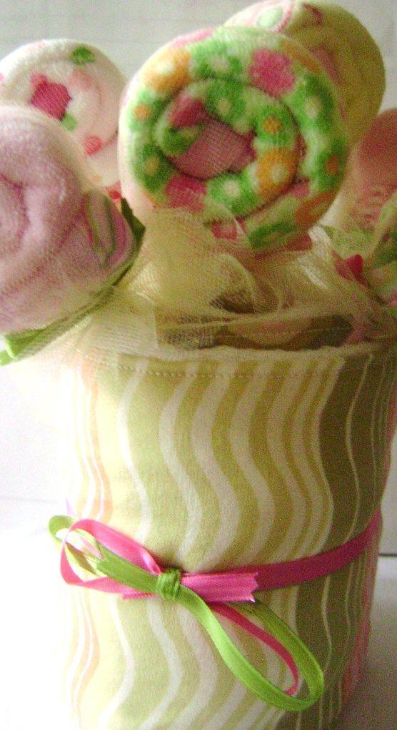 My lollipop wash cloth and burp cloth baby shower gift #burpcloth #lollipopwashcloth #babyshower