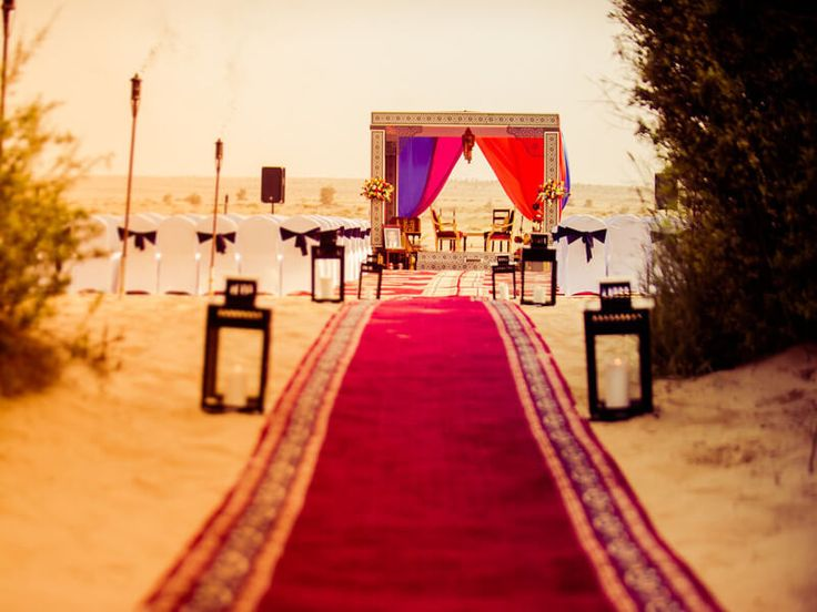 """Mistakes brides made while planning a desert wedding"" - When it comes to select a creative wedding location, you can have a great & unique idea to set a desert theme for mesmerizing wedding vows. Desert wedding theme would look appealing and draw the attention of your guests. Being the couple, you can make the event even more special.... read more at https://goo.gl/pywCzr #desert #wedding #blogbucket #desertTheme"