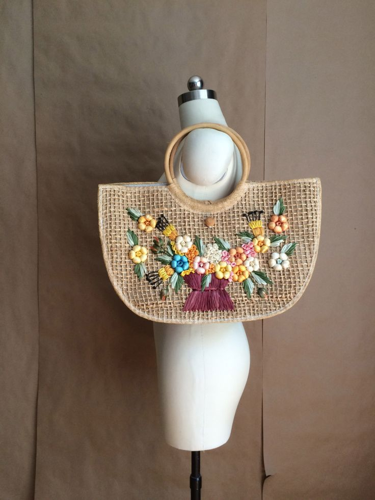 vintage 60's straw handbag / tote / purse / market bag / floral embellishment by yellowjacketvintage on Etsy