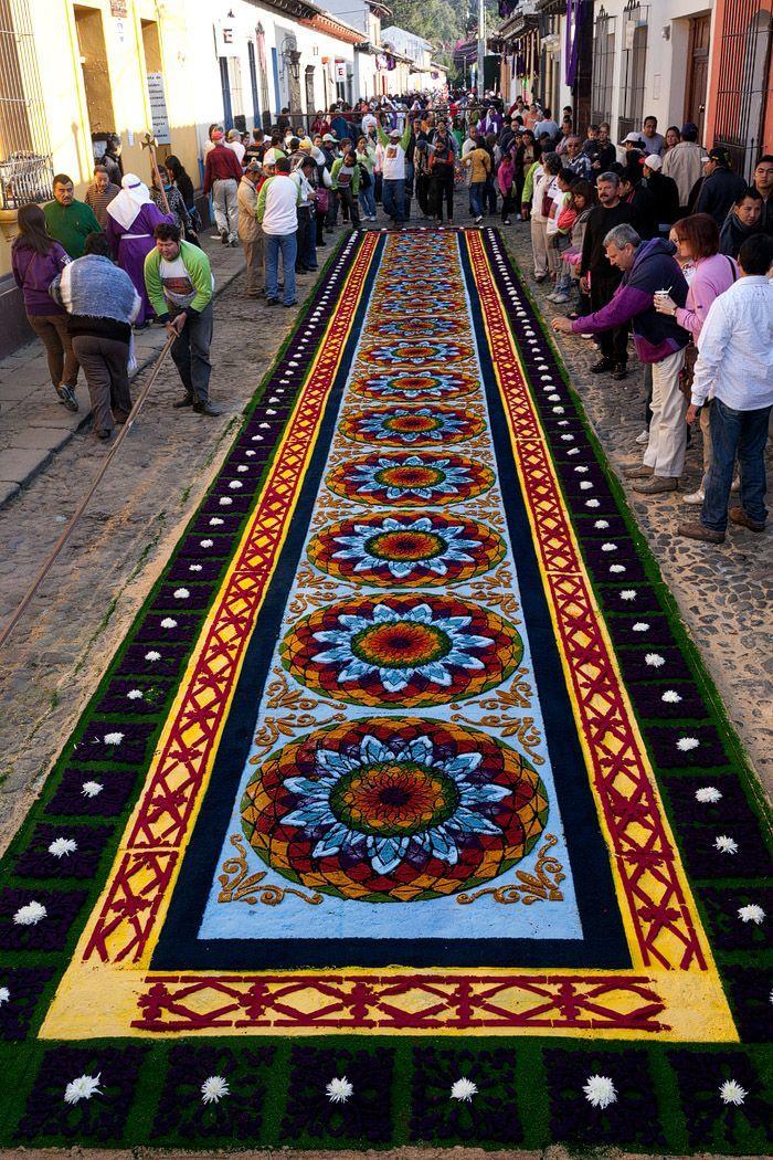 Alfombras: Semana Santa in Antigua, Guatemala