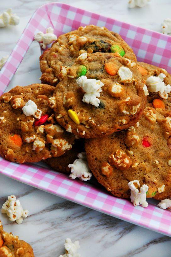 Bakelyst.no: Kjeksens svar på kinder egg, med 3 i 1: cookie, sjokolade og poppet popcorn.