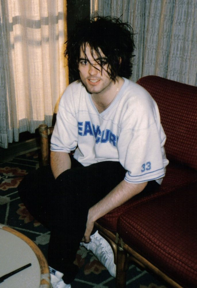 Robert-smith-cure-miyako-np - The Cure - Wikipedia, the free encyclopedia