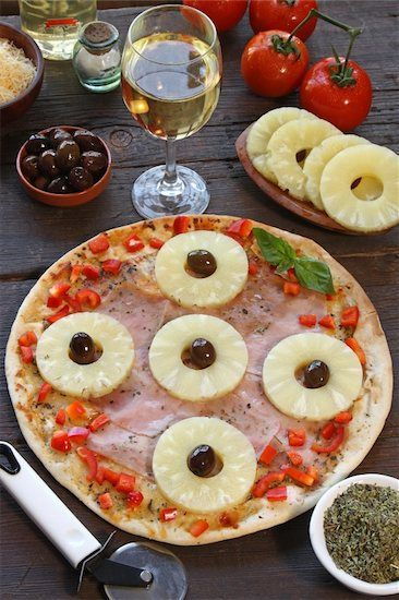 Hawaiian Pizza & #Wine Wednesday! This sweet but savory pie is a mouth watering delight. Pairing it with a Chardonnay (Jellybean $9; Grape Certified Silver), a Beaujolais (Louis Jadot Beaujolais-Villages 2011 $13; Grape Certified Silver) or a Riesling (Charles Smith Kung Fu Girl 2012 $15; Grape Certified Gold) will have you seeing wine & pizza in a whole new light! Learn more at https://www.facebook.com/thegrapedotcom. Okole maluna!