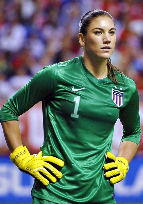 Hope Solo, arquero de la Selección USA Femenina y del  Seattle Reign FC de la National Women's Soccer League de los Estados Unidos.