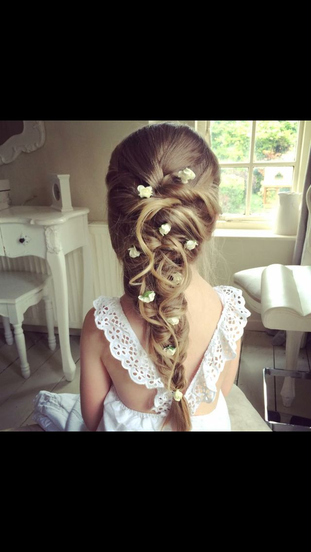 Flower girl hair and dress style