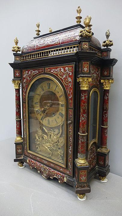 ANTIQUARIATO GOGNASRL: orologio napoleone III riccamente ornato con materialidi pregio: tartaruga, argento e bronzo su struttura in legno -0660060 0