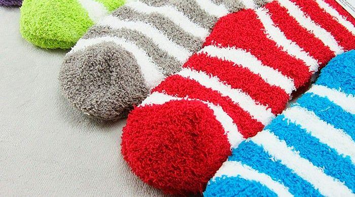 Тёплые носки — это не самая изящная одежда, но зимой без них очень плохо! Если зима выдаётся мягкая, без морозов, то без тёплых носков можно перебиться, но в мороз они защищают не только ноги.