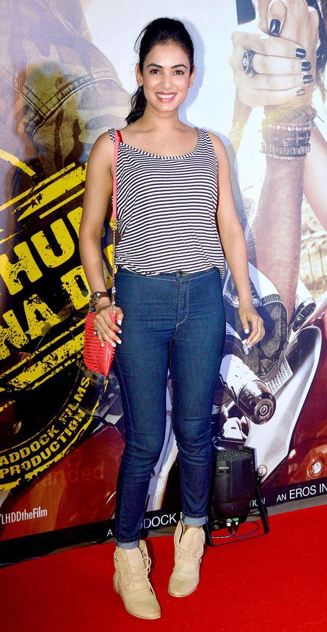 Sonal Chauhan at premiere of 'Lekar Hum Deewana Dil'. #Style #Bollywood #Fashion #Beauty