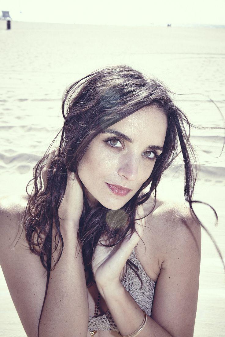 Danielle Horvat Nude Photos 13