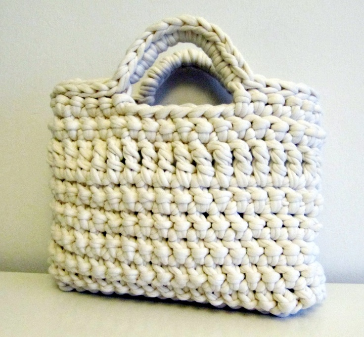 White crocheted summer bag. Let's go shopping! (May 2012)