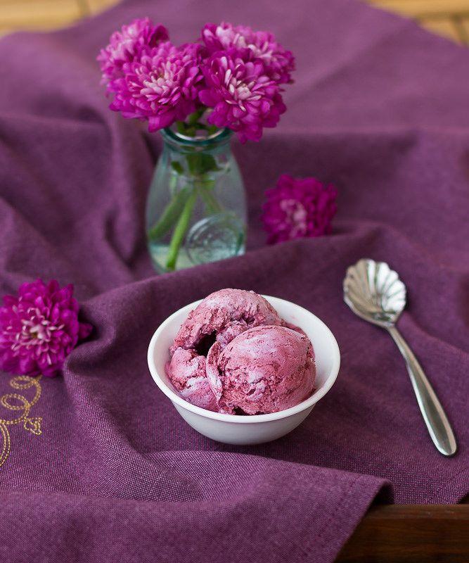 Черничное мороженое