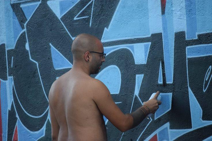 luca zeus at work naples street art