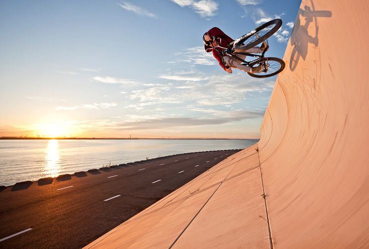 "Jan Faßbender - ""Wellenbrecher bei Sonnenaufgang"".  Hier gehts zur Gesamtübersicht: http://pxm.li/6ryCDE   #Sommer #Sport #Foto"