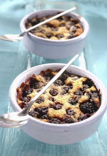 Clafoutis met bramen en amandelpoeder - Desserts met minder suiker: de recepten van de redactie