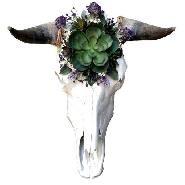 << RE-PURPOSED COW SKULL >> Our cow skull wall hangings pay homage to the animal by providing an alternative resting place for an object that is typically discarded. - This is a real cow skull with ho