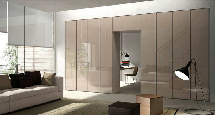 Puertas abatibles en alto brillo modelo Evita