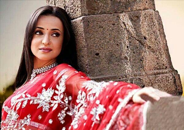 Sanaya Irani as Khushi in a promo for bollywood / Star Tv #ipkknd