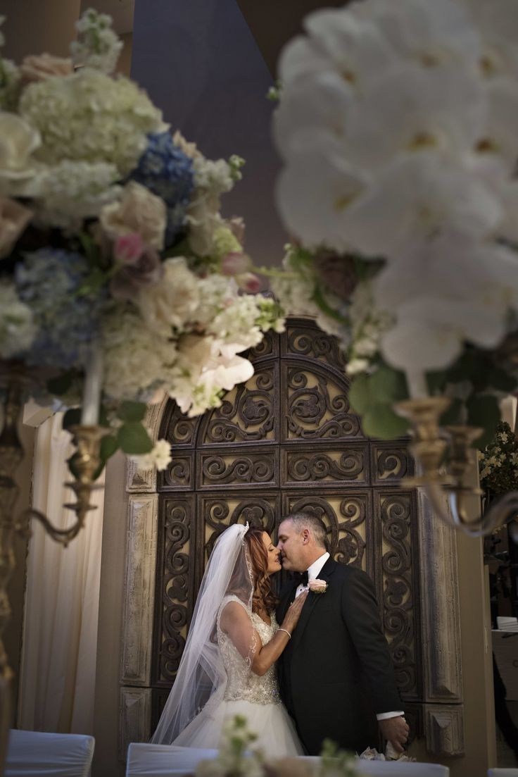 Bride And Groom At Their Caste Wedding In Las Vegas Nevada Luxury