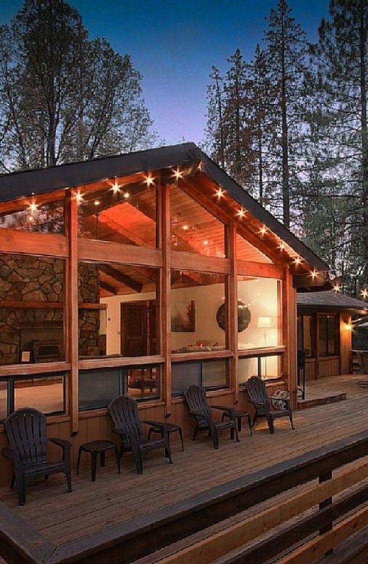 Yosemite Log Cabin With A Hot Tub And Forest Views In Mariposa California Cabin Hot Tub Log Cabin Modern Log Cabins