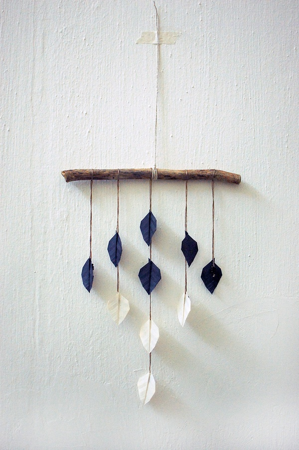 mobile. Love the simplicity and the nature aspect. Could use this in Eli's room