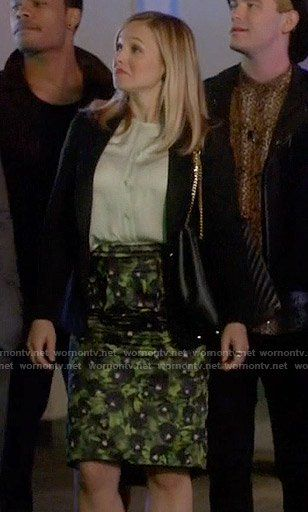 Jeannie's green printed skirt, mint blouse on House of Lies
