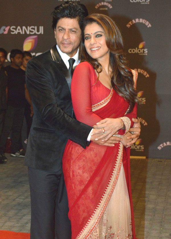 Shah Rukh Khan and Kajol at the Sansui Colors Stardust Awards 2015 in Mumbai. #Bollywood #StardustAwards2015 #Fashion #Style #Beauty #Desi #Saree