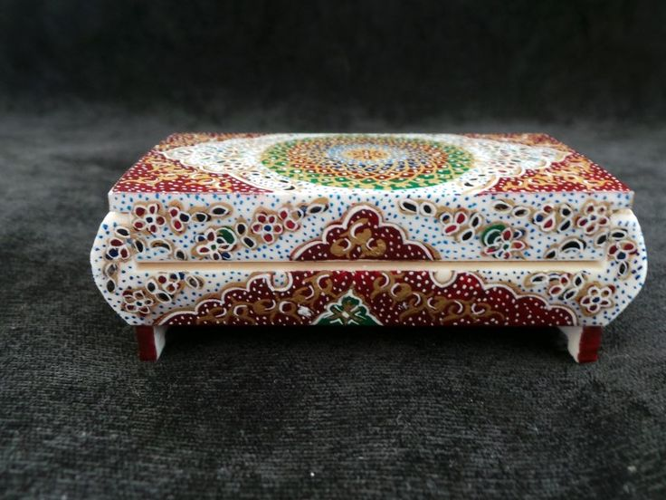 Item Details: Size:	6.8cm X4.2cm X 2.3cm (WXDXH) W=Width, D=Depth, H=Height - Weight:	60 gr - Material (s):Glazed Hand Painting on Camel Bone - Origination:Handmade in Isfahan / Persia (Iran) -  Usage:Jewelry Box , Small Storage, Decorative Item, Persian Gift Item -   Shop @ http://persianhandicrafts.com/miniature-hand-painted-jewelry-box-hm1001-persian-handicrafts-and-souvenirs.html/