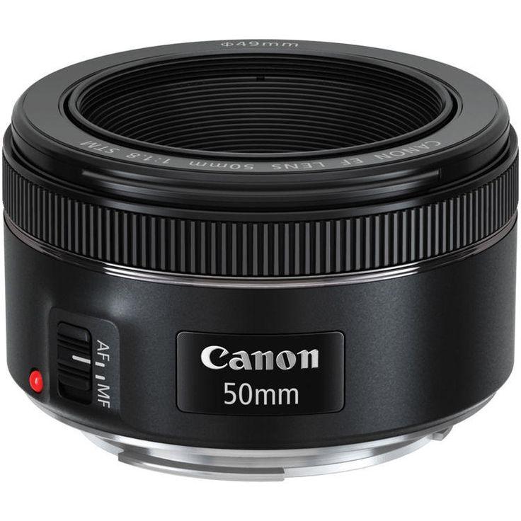 Lente Canon EF 50mm f/1.8 STM -  A Lente Canon EF 50mm f/1.8 STM é um clássico. Graças ao autofoco reforçado e o seu perfil pequeno e esbelto essa lente é ideal para todos os dias e em uma ampla variedade de condições. | eMania