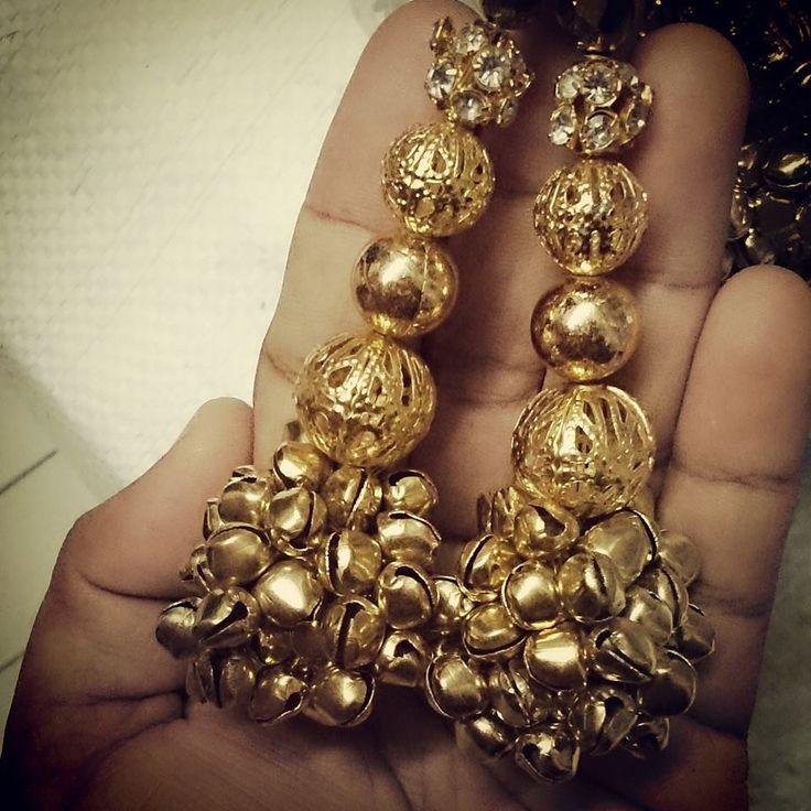 Golden latkans