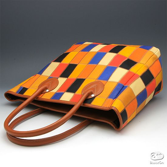 "TRION ""patchwork-bag"" 業界屈指の野球グローブメーカーだからできました。秘密は素材と製造方法に。牛革のもつ風合いと、耐久性、しなやかさを備え、使いやすくてリーズナブルな本革製トートバッグ。"