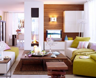 Keltainen talo rannalla: Ideoita olohuoneeseen