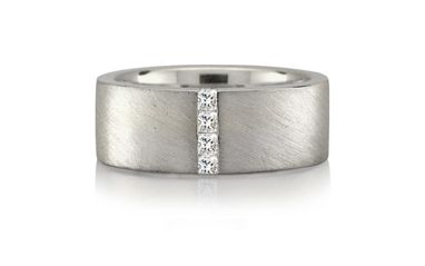 Wedding Rings and Bands for Him | Diamond, Gold, Platinum Jewellery Rings for Weddings