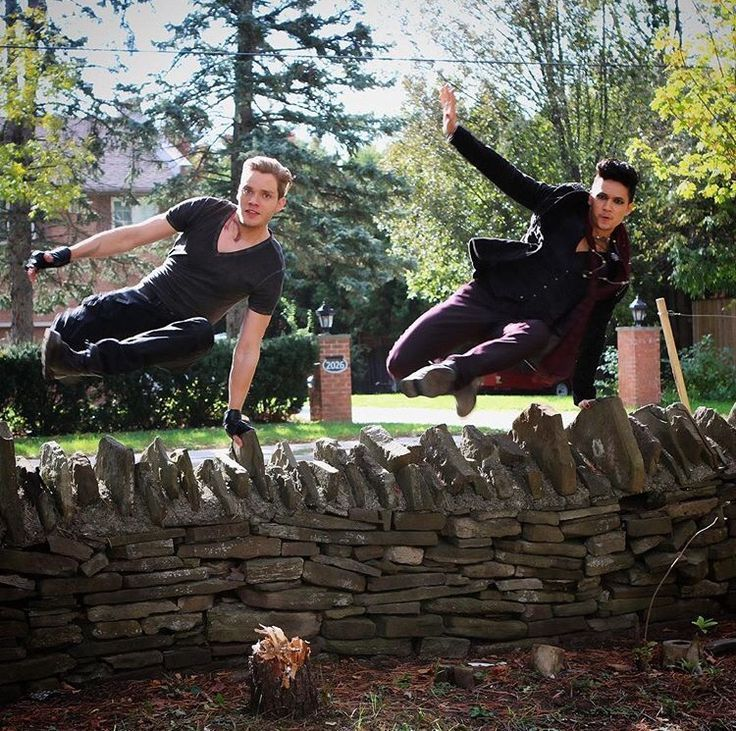 Shadowhunters … Jace and Magnus – #devices #Jace…