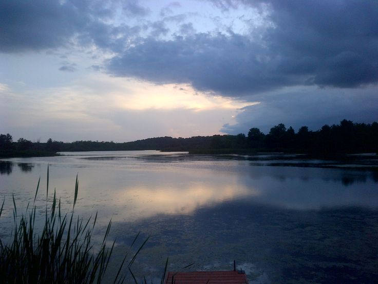 Love this photo of the water with the shadow of the clouds. @cataraquirca
