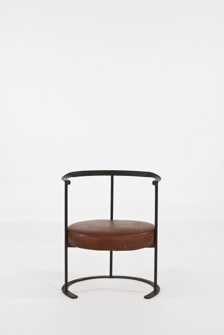 Luigi Caccia Dominioni; Enameled Iron and Leather 'Catiline' Armchair for Azucena, 1958.