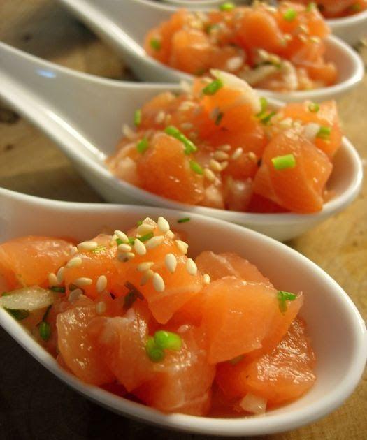 Eu adoro tartar de peixe e o tartar de atum é o meu favorito. Mas eu gosto muito de tartar feito com salmão norueguês ultra fresco, exatam...