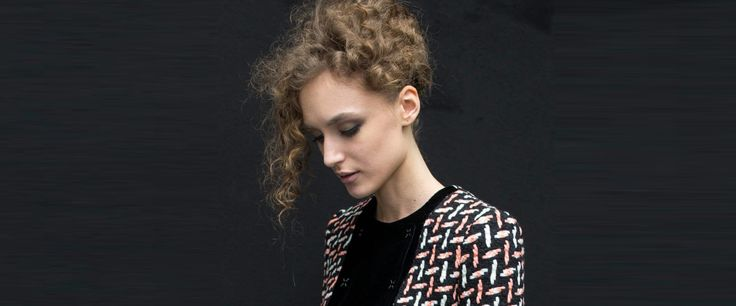 6 Curly Hairstyles For The Special Prom Night