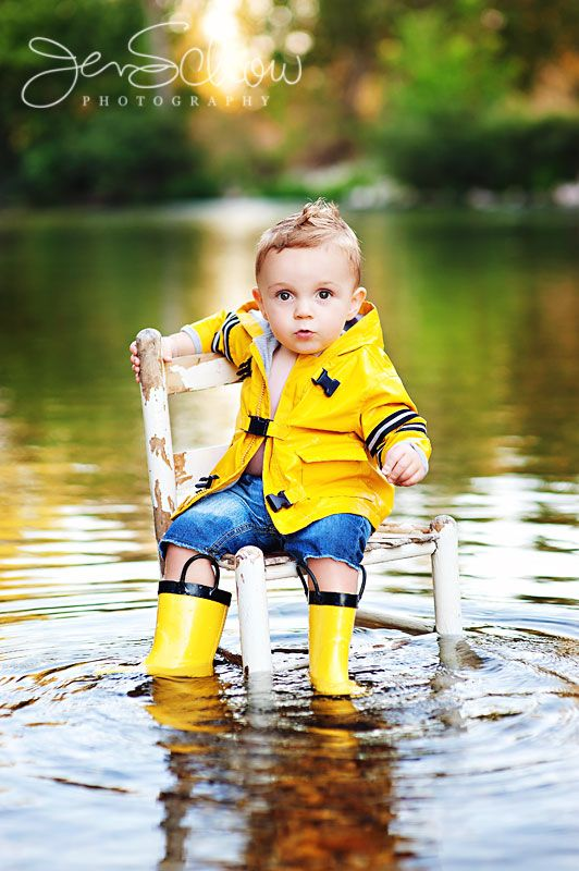 Love this too.. would be cute with the fishing gear. Must remember to bring chair...